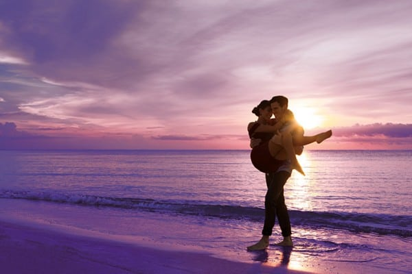 secrets-akumal-deal_ext_couple_dusk_1a